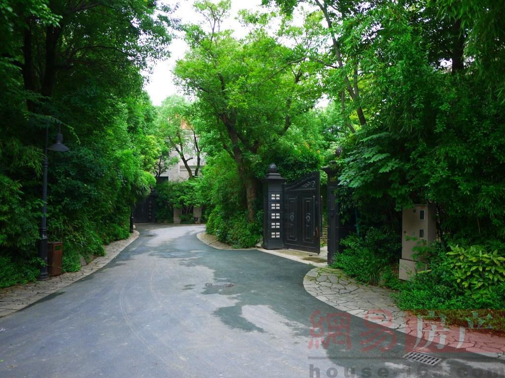 上海佘山月湖山庄实景图图片