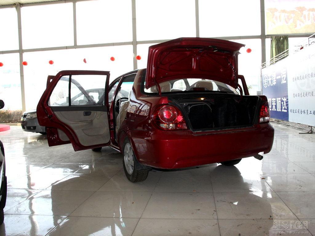 一汽夏利 08款 N3+ 1.0L 三厢助力 ——全部车门打开左后45度-夏利 N3高清图片