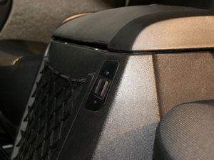 众泰朗悦 2010款 汽油1.6MT尊贵型(5座)