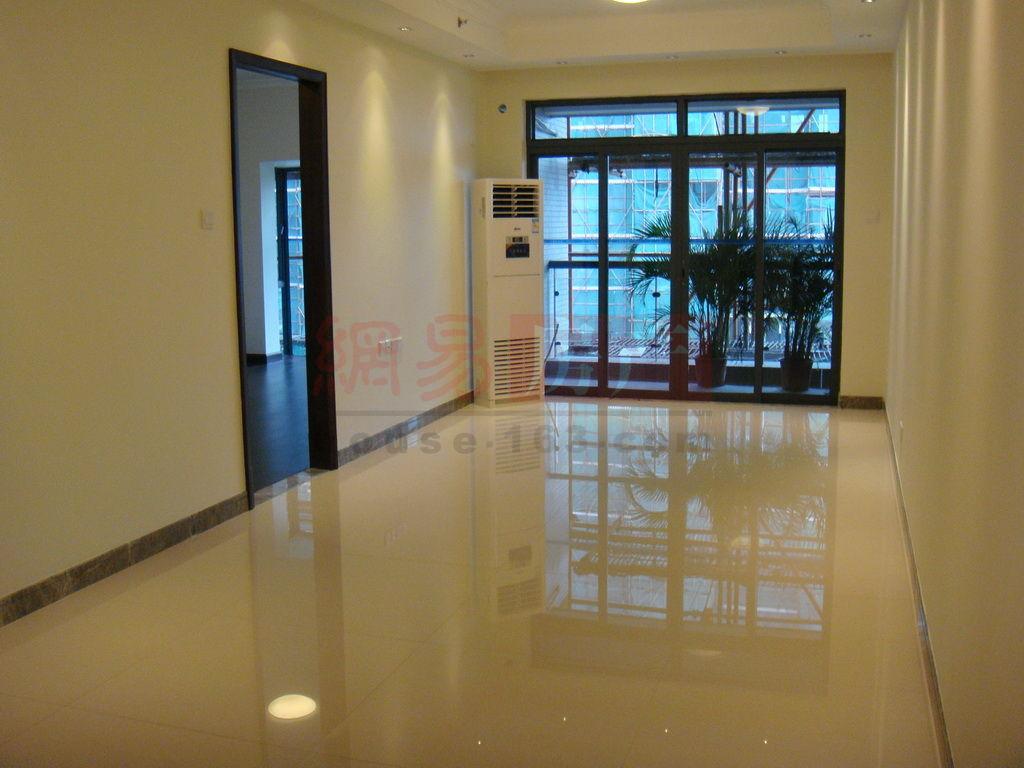 四号楼1座标准层 02单位 三房两厅 约90平方米 样板房图集 装修标准 高清图片
